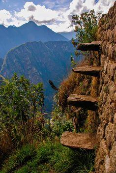 Watch Your Steps, Machu Picchu, Peru por Chris Taylor
