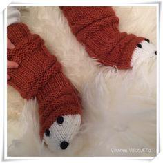 Viluinen Villasukka: Kettumaiset junasukat Knitting Socks, Fingerless Gloves, Arm Warmers, Ravelry, Knit Crochet, Crocheting, Kids, Long Scarf, Knit Socks