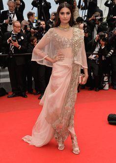Festival de Cannes 2014 - jour 6 :Sonam Kapoor en Anamika Khanna.