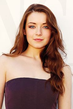 Sarah Bolger-Favorite Sarah Bolger movie (or in this case show): The Tudors. Runner up: Tara Road.