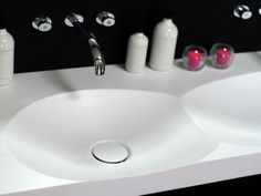 These Bathroom Designs are so modern that they have you wondering how they are possible Modern Bathroom Design, Modern Interior Design, Contemporary Design, Bathroom Designs, Corian Solid Surface, Bathroom Styling, Living Room Modern, Bathroom Furniture, Sink