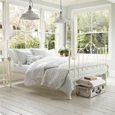 Lovely, bright bedroom