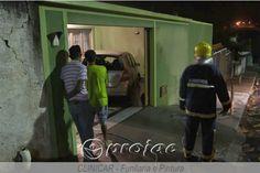 Incêndio criminoso destrói carro na Vila Rondon - http://projac.com.br/noticias/incendio-criminoso-destroi-carro-na-vila-rondon.html