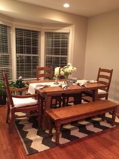 I love this dinning room set up