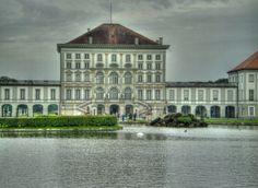 Schloss Nymphenburg in Munich Beautiful Swan, Beautiful Park, Eccentric, Bavaria, Palace, Germany, Summer, Travel, Summer Time