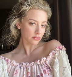 I can still be a from inside my house, OKAY? The post Lili Reinhart: I can still be a from inside my house, OKAY?& appeared first on INBELLA. Betty Cooper, Teen Choice Awards, Pretty People, Beautiful People, Beautiful Women, Icons Girls, Lili Reinhart And Cole Sprouse, Online Shopping, Mode Poster