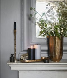 Metal candle plate - Gold-coloured - Home All Large Pillar Candles, Black Candles, Hm Home, White Houses, Interior Exterior, Home Collections, Black House, Candlesticks, Interior Decorating