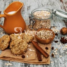 These oatmeal cookies have all of the beautiful flavors of fall with none of the hassle. Enjoy these cookies with a pumpkin spice latte! Oatmeal No Bake Cookies, Kinds Of Cookies, Pumpkin Spice Latte, How Sweet Eats, No Bake Desserts, Quick Easy Meals, Cookie Recipes, Sweet Treats, Spices