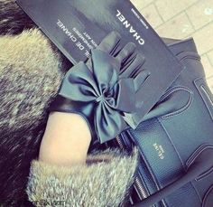 gloves1