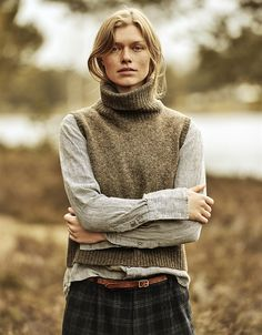 nygårdsanna Winter Fashion Outfits, Autumn Fashion, Librarian Style, Knit Vest Pattern, Vogue, What To Wear, Knitwear, Fashion Looks, Style Inspiration