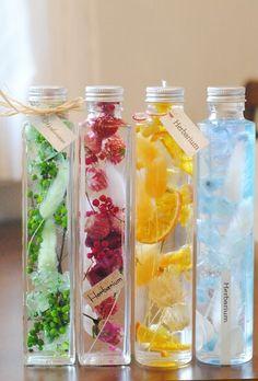 人気のハーバリウムレッスン♡ 青山・浦和で開催します Flowers In Jars, Green Flowers, Flower Vases, Flower Bottle, Healing Oils, How To Preserve Flowers, Gel Candles, Flower Crafts, Diy Crafts