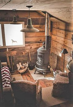 Stove in the cabin - Poele à bois dans la cabane. Stove in the cabin - Wood stove Tiny Cabins, Tiny House Cabin, Log Cabin Homes, Cabins And Cottages, Cozy House, Log Cabins, Cozy Cabin, Cabins In The Woods, Home Design