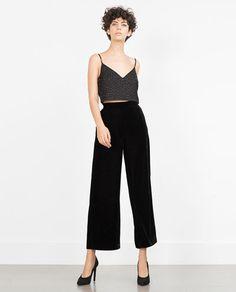 Imagen 1 de TOP CROPPED LENTEJUELAS de Zara