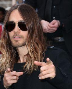 * Jared Leto : de passage en France pour plusieurs concerts avec les Thirty Seconds To Mars, il déclenche une émeute à Paris !