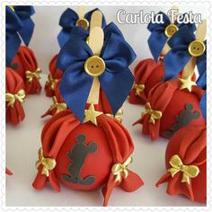 E o Circo do Mickey já vai comecar Circo Do Mickey, Mickey E Minie, Cupcake Mickey, Mickey Mouse And Friends, Cakepops, 4th Of July Wreath, Chocolates, 2nd Birthday, Party Themes