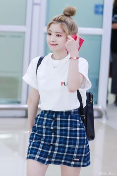 Official Korean Fashion : Twice Dahyun Airport Fashion Airport Fashion Kpop, Kpop Fashion Outfits, Ulzzang Fashion, Korean Fashion, Girl Outfits, Cute Outfits, Kpop Girl Groups, Kpop Girls, K Pop