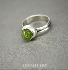 Green garnet zen ring - raw grossular garnet nugget in sterling and fine silver, stacking minimalist ring size 6, hand made, natural crystal