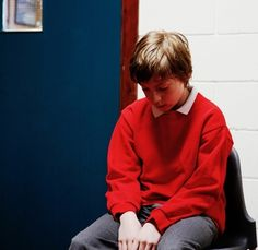 In the Classroom: Managing Severe Behavior Challenges in the Midst of Crisis | #Teachers can create intervention strategies for kids with #TBI to address common situations in school that result in challenges before they emerge. via BrainLine.org