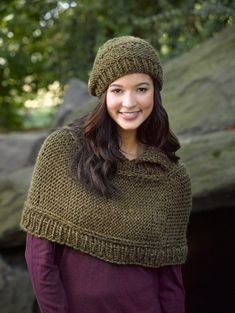 This knit Capelet And Hat set made with Heartland Thick & Quick is just the thing for when it's too warm to wear a coat, but too cold to just wear a shirt.