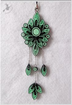 12 Awesome Paper Quilling Jewelry Designs To Start Today – Quilling Techniques Paper Quilling Flowers, Paper Quilling Jewelry, Paper Quilling Designs, Quilling Paper Craft, Quilling Patterns, Paper Jewelry, Paper Beads, Wooden Jewelry, Quilling Necklace