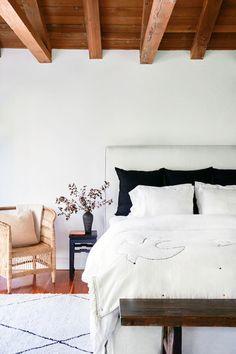 Take a peek inside the beautiful home of a talented movie director | lark & linen #bedroom