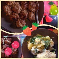 Ovenschotel van broccoli bloemkool spinazie en geraspte kaas en voor de omnivoor gehaktballen