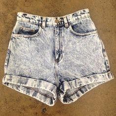 Sneak Peek at the new American Apparel shorts ;) Xxx