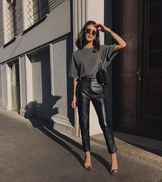 Summer Fashion Tips .Summer Fashion Tips Fashion 2020, Look Fashion, Autumn Fashion, Fashion Outfits, Fashion Women, Fashion Ideas, Workwear Fashion, Travel Outfits, Classy Fashion