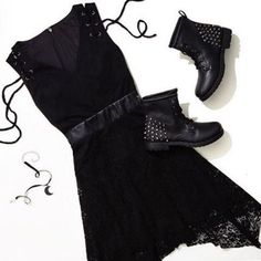 BEAUTY is the color BLACK // Black Sleeveless Lace Detail Dress