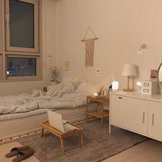 Room Ideas Bedroom, Home Bedroom, Bedroom Decor, Korean Bedroom Ideas, Modern Bedroom, Deco Studio, Minimalist Room, Aesthetic Room Decor, Cozy Room