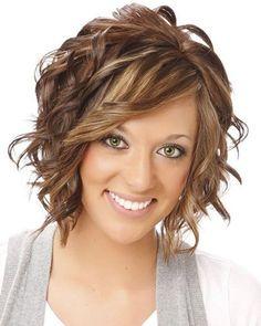 Side swept bangs - brunette hair color with light blonde highlights. medium hair styles for women over 40 oblong face Medium Hair Styles For Women, Medium Hair Cuts, Haircut Medium, Medium Curly, Short Hair Cuts For Women Over 40, Over 40 Hairstyles, Pretty Hairstyles, Female Hairstyles, Medium Wavy Hairstyles