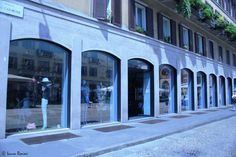 Marc Jacobs  piazza del Carmine, Milano http://www.shoppingroutes.it/