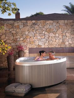 Have an outdoor oasis, even on a small patio. compact models like the TX and SX have the same powerful jets found in bigger spas. Outdoor Kitchen Patio, Diy Patio, Small Patio, Outdoor Living, Outdoor Decor, Whirlpool Deck, Large Patio Umbrellas, Backyard Retreat, Backyard Ideas
