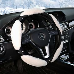 Luxury Steering Wheel Cover White Stitching Grip Wheel Protector Car Glove Soft