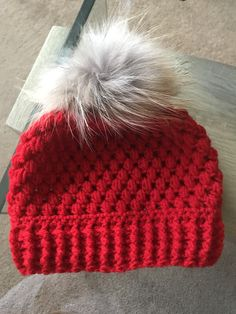 I love a good crocheted winter hat pattern here are some of my favourites. What do you call a snug fitting pull on wooly winter hat in your part of the world? Earlier in the year we went to Canada an Bonnet Crochet, Crochet Beanie Pattern, Crochet Baby Hats, Knit Or Crochet, Crochet Crafts, Crochet Projects, Free Crochet, Knitted Hats, Crochet Patterns