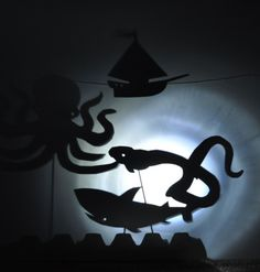 Big post on shadow-play. thinking about a Halloween shadow theater! Projects For Kids, Art Projects, Crafts For Kids, Shadow Theatre, Puppet Theatre, Puppet Tutorial, Puppet Patterns, Shadow Play, Shadow Puppets