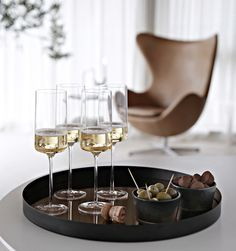 Interior My Home Products / Shop Bars And Clubs, Christmas Interiors, Christmas Table Settings, Green Christmas, Happy New Year, Decorative Bowls, Capri, Product Launch, Elegant