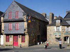 Le Faou plus beaux villages de France Brest, Beaux Villages, France, Brittany, Street View, Cabin, House Styles, Building, Nature