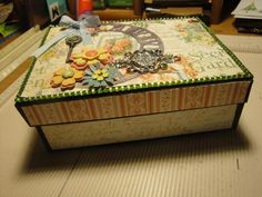 Elaine's Memory Box - nicely done!