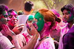 123RF ON-THE-GO CELEBRATES HOLI DAY  Want to win some cash prizes? Check out our latest blog post & find out how!   #123RF   #prizestobewon   #photographycontest   #photographycompetition