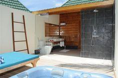 Meeru island resort - my new destination fantasy! Honeymoon Destinations, Holiday Destinations, Jacuzzi Bathroom, Sand Floor, Maldives Holidays, Outdoor Bathrooms, Island Resort, Resort Spa, Holiday Fun