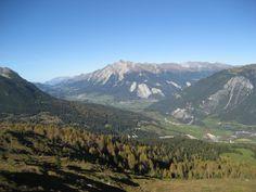 Blick Richtung Lantsch + Lenzerheide mit Lenzerhorn, Kanton Graubünden