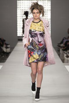 trelise cooper Modern Fashion, Elegant Dresses, Fashion Designers, Harajuku, What To Wear, Dressing, Pastel, Punk, Style Inspiration