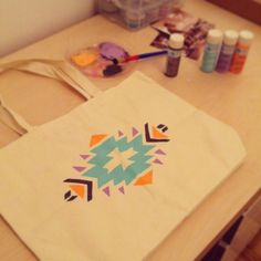 DIY Aztec Print Tote | A Curiously Chic Life