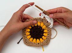 The Sunflower Blanket Crochet Pattern by BrennaAnnHandmade - Hobium Blog Crochet Baby Blanket Tutorial, Crochet Square Blanket, Granny Square Crochet Pattern, Afghan Crochet Patterns, Crochet Squares, Crochet Motif, Crochet Designs, Crochet Stitches, Knitting Patterns