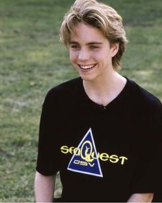 boys Jonathan Brandis - Retro Photos - Jonathan Brandis - Retro Photo - Former Teen Stars Beautiful Boys, Pretty Boys, Beautiful People, Young Leonardo Dicaprio, Cute Actors, Young Actors, Hot Boys, Celebrity Crush, Cute Guys