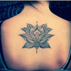 Flor de Loto - Tatuajes para Mujeres