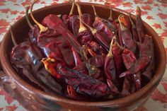 Guajillo and puya chiles. #hotpeppers #chillipeppers mexicanfoodjournal.com