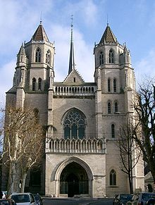 The Cathedral of Saint Bénigne, in Dijon (east-central France). This cathedral at one time housed a Queen Pedauque statue (and might still, today). Religious Architecture, Gothic Architecture, Historical Architecture, Gothic Cathedral, Cathedral Church, Dijon France, Burgundy France, Visit France, Chapelle