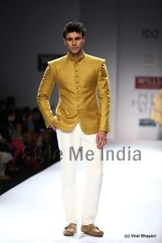 Bandh gala - Virtues by Viral, Ashish & Vikrant at Wills Lifestyle India Fashion Week Spring- Summer 2013 Ethnic Wear Indian Men, Indian Groom Wear, Indian Men Fashion, Indian Man, Mens Fashion, Indian Suits, Prince Suit, Wills Lifestyle, Party Suits
